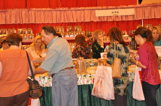 "<div class=""meta image-caption""><div class=""origin-logo origin-image ""><span></span></div><span class=""caption-text"">This year's Nutcracker Market, themed ""Tinseltown,""  features more than 300 national and international merchants carefully selected for their unique offerings selling gifts for the entire family -- home décor, gourmet food, clothing, novelties, accessories and more.  Proceeds from the Market benefit Houston Ballet Foundation, Houston Ballet's Ben Stevenson Academy and its scholarship funds. (ABC-13/Blanca Beltran)</span></div>"
