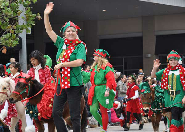 "<div class=""meta image-caption""><div class=""origin-logo origin-image ""><span></span></div><span class=""caption-text"">The 62nd Annual Holiday Parade came to life on the streets of downtown Houston to provide an exciting start to the holiday season on Thanksgiving morning, Thursday, November 24, 2011. (KTRK Photo)</span></div>"