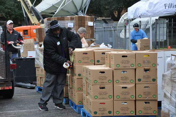 Photos from our 33rd annual Share Your Holidays food drive, as generous viewers and volunteers help with donations <span class=meta>(Photo&#47;ABC13)</span>