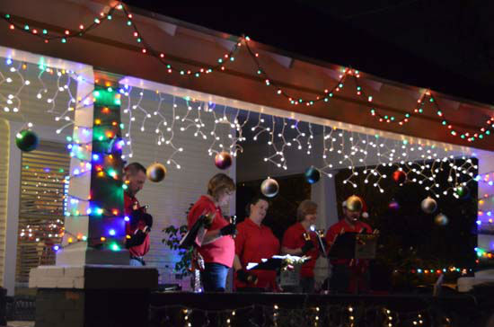 "<div class=""meta image-caption""><div class=""origin-logo origin-image ""><span></span></div><span class=""caption-text"">There were many lights, decorations, festivities and tons of music at the annual Lights in the Heights (ABC13/Blanca Beltran)</span></div>"