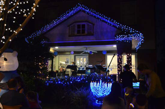 There were many lights, decorations, festivities and tons of music at the annual Lights in the Heights <span class=meta>(ABC13&#47;Blanca Beltran)</span>
