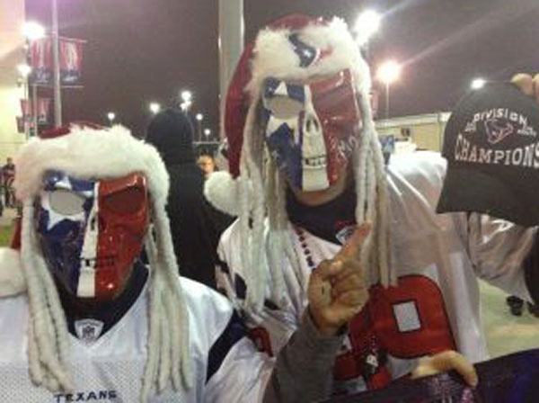 "<div class=""meta ""><span class=""caption-text "">Fans lined up outside Reliant Stadium to get their hands on division championship gear after the exciting win (Christine Dobbyn)</span></div>"