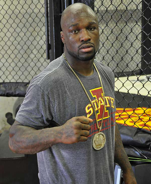 "<div class=""meta ""><span class=""caption-text "">Strikeforce World Light Heavyweight Champion ""King Mo"" Lawal trains at a Houston fight club. Strikeforce comes to Houston on August 21 at the Toyota Center. (ABC13)</span></div>"