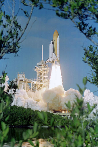 The space shuttle Columbia lifts off Thursday morning Jan. 16, 2003 at the Kennedy Space Center in Cape Canaveral, Fla.  Seven astronauts, including Ilan Ramon, the first Israeli astronaut, are beginning a 16-day scientific mission. &#40;AP Photo&#47;Paul Kizzle&#41; <span class=meta>(AP Photo&#47; PAUL KIZZLE)</span>