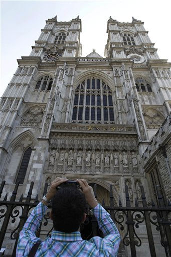 "<div class=""meta image-caption""><div class=""origin-logo origin-image ""><span></span></div><span class=""caption-text"">A man takes a picture of Westminster Abbey in London, Friday, April 22, 2011. Britain's Prince William and Kate Middleton are to marry at Westminster Abbey in London on April 29. (AP Photo/Sang Tan) (AP Photo/ Sang Tan)</span></div>"