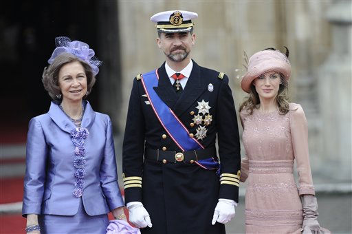 Spain&#39;s Prince Felipe is flanked by Princess Letizia and Spain&#39;s Queen Sofia, left, outside of Westminster Abbey at the Royal Wedding for Britain&#39;s Prince William and Kate Middleton in London Friday, April, 29, 2011. &#40;AP Photo&#47;Martin Meissner&#41; <span class=meta>(AP Photo&#47; Martin Meissner)</span>