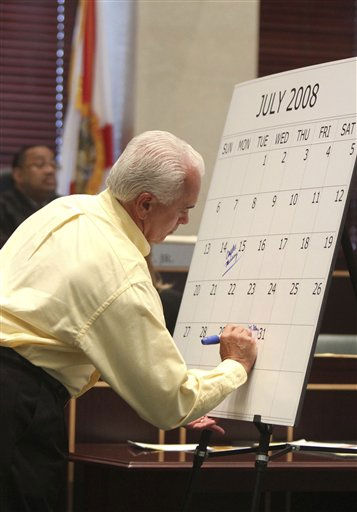 "<div class=""meta ""><span class=""caption-text "">George Anthony marks a calendar during his testimony in the trial of his daughter, Casey Anthony, at the Orange County Courthouse on Thursday, May 26, 2011, in Orlando, Fla. Anthony is charged with murder in the 2008 death of her daughter Caylee. (AP Photo/Red Huber, Pool) (AP Photo/ Red Huber)</span></div>"