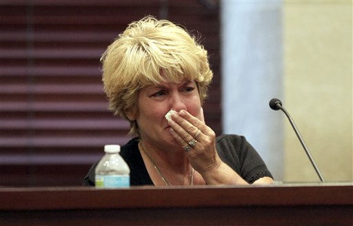 "<div class=""meta ""><span class=""caption-text "">Cindy Anthony breaks down while listening to a recording of a 911 call she made to report her granddaughter missing, heard during the murder trial of her daughter, Casey Anthony, at the Orange County Courthouse in Orlando, Fla., Tuesday, May 31, 2011. (AP Photo/Red Huber, Pool) (AP Photo/ Red Huber)</span></div>"