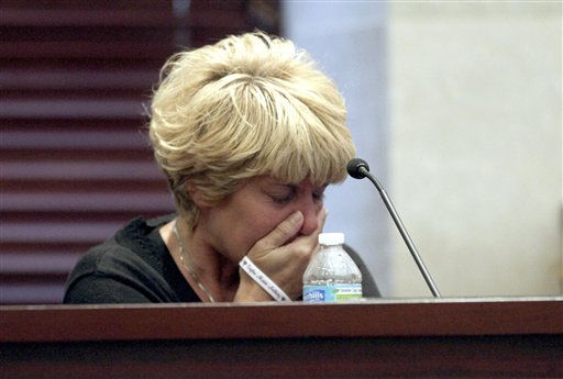 "<div class=""meta ""><span class=""caption-text "">Cindy Anthony becomes emotional during the trial of her daughter, Casey Anthony, at the Orange County Courthouse, Tuesday, May 31, 2011,  in Orlando, Fla. Casey Anthony is charged with murder in the 2008 death of her daughter Caylee. (AP Photo/Red Huber, Pool) (AP Photo/ Red Huber)</span></div>"