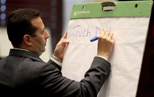Defense counsel Jose Baez makes notes for the jury during his direct examination of defense witness Heather Seubert, of the FBI lab in Quantico, Va., during the murder trial of Casey Anthony at the Orange County Courthouse, Thursday, June 16, 2011, in Orlando, Fla. Anthony, 25, is charged with killing her 2-year old daughter in 2008. &#40;AP Photo&#47;Red Huber, Pool&#41; <span class=meta>(AP Photo&#47; Red Huber)</span>