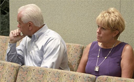 "<div class=""meta ""><span class=""caption-text "">George and Cindy Anthony sit in the courtroom, waiting the start of court during their daughter, Casey's murder trial at the Orange County Courthouse in Orlando, Fla. on Thursday, June 23, 2011. Casey Anthony is charged with killing her daughter, Caylee in 2008.  (AP Photo/Red Huber, Pool) (AP Photo/ Red Huber)</span></div>"