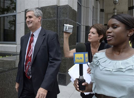 Prosecutor Jeff Ashton, left, arrives at the Orange County Courthouse for the reading of the Casey Anthony verdict in Orlando, Fla., Tuesday, July 5, 2011.&#40;AP Photo&#47;Phelan M. Ebenhack&#41; <span class=meta>(AP Photo&#47; Phelan M. Ebenhack)</span>