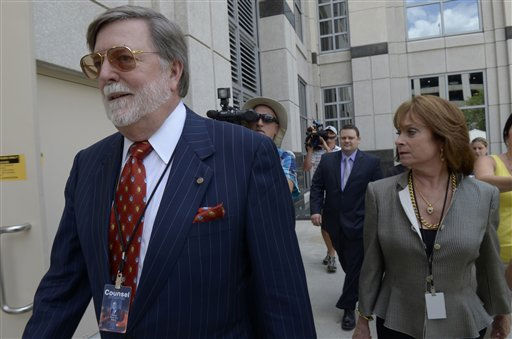 Defense attorney Cheney Mason, left, arrives for the reading of the Casey Anthony verdict at the Orange County Courthouse in Orlando, Fla., Tuesday, July 5, 2011.&#40;AP Photo&#47;Phelan M. Ebenhack&#41; <span class=meta>(AP Photo&#47; Phelan M. Ebenhack)</span>