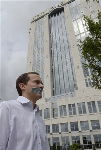 "<div class=""meta ""><span class=""caption-text "">Edward Mehnert protests outside the Orange County Courthouse during sentencing for Casey Anthony in Orlando, Fla., Thursday, July 7, 2011.   Judge Belvin Perry sentenced Anthony to four years for lying to investigators.   Anthony  will be freed next week after spending nearly three years in jail on accusations she murdered her 2-year-old daughter.   While acquitted of killing and abusing her daughter, Caylee, Anthony was convicted of four counts of lying to detectives trying to find her daughter.  (AP Photo/Phelan M. Ebenhack) (AP Photo/ Phelan M. Ebenhack)</span></div>"