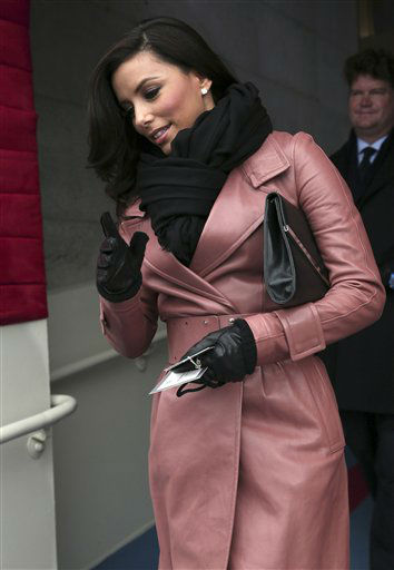 "<div class=""meta ""><span class=""caption-text "">Actress Eva Longoria arrives on the West Front of the Capitol in Washington, Monday, Jan. 21, 2013, for the Presidential Barack Obama's ceremonial swearing-in ceremony during the 57th Presidential Inauguration.    (AP Photo/ Win McNamee)</span></div>"