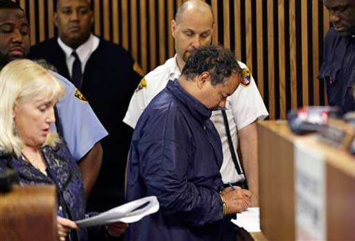 "<div class=""meta ""><span class=""caption-text "">Ariel Castro appears in Cleveland Municipal court Thursday, May 9, 2013, in Cleveland. Castro was charged with four counts of kidnapping and three counts of rape. Ariel Castro was charged while his brothers, Pedro and Onil Castro, were held but faced no immediate charges. (AP Photo/Tony Dejak) (AP Photo/Tony Dejak)</span></div>"