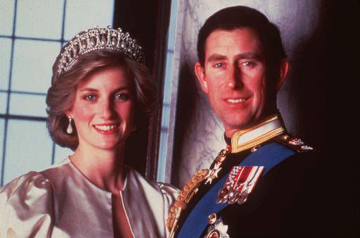 "<div class=""meta ""><span class=""caption-text "">Britain's Prince Charles and Princess Diana, Princes of Wales, in this official 1985 photograph. (AP Photo/HO) (AP Photo/ SNOWDON)</span></div>"