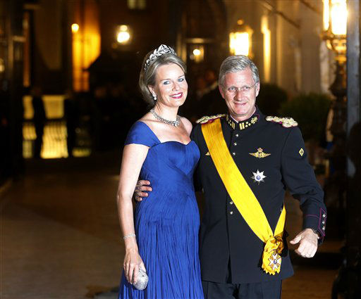 Prince Philippe and Princess Mathilde of Belgium arrive for dinner at the Royal Palace on the occasion of the wedding of Luxembourg&#39;s heir Prince Guillaume and Countess Stephanie  in Luxembourg, Friday, Oct. 19, 2012. &#40;AP Photo&#47;Michael Probst&#41; <span class=meta>(AP Photo&#47; Michael Probst)</span>