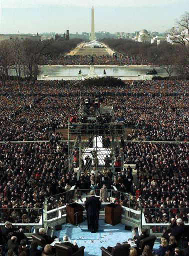 President Clinton gives his inaugural speech after being sworn in for his second term by Supreme Court Chief Justice William Rehnquist during the 53rd Presidential Inauguration Monday, Jan. 20, 1997, in Washington.  &#40;AP Photo&#47;Wilfredo Lee&#41; <span class=meta>(AP Photo&#47; WILFREDO LEE)</span>