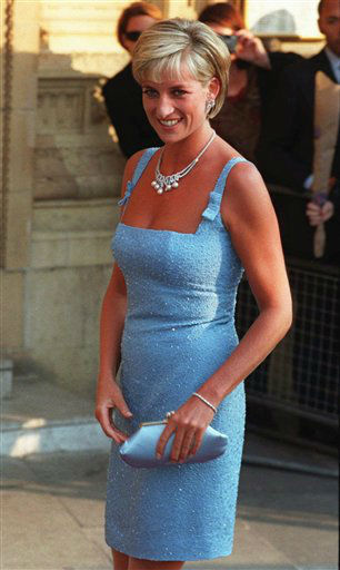 **  FILE  **  Britain&#39;s Diana, Princess of Wales, arrives at the Royal Albert Hall for a gala performance of Swan Lake in this Tuesday June 3, 1997 file photo.  A three-year inquiry into the death of Princess Diana and Dodi Fayed has concluded that allegations of murder were unfounded, and that there is no reason for suspecting the involvement of the royal family, a senior police officer said Thursday, Dec. 14, 2006. &#34;Our conclusion is that, on all the evidence available at this time, there was no conspiracy to murder any of the occupants of the car. This was a tragic accident,&#34; said Lord John Stevens, former chief of the Metropolitan Police, who led the investigation of the deaths of Diana, 36, and her companion Dodi Fayed, 42.  They were killed along with chauffeur Henri Paul when their Mercedes crashed in the Pont d&#39;Alma tunnel in Paris on Aug. 31, 1997, while the couple was being chased by media photographers.  &#40;AP Photo&#47;Jacqueline Arzt&#41;  <span class=meta>(AP Photo&#47; JACQUELINE ARZT)</span>
