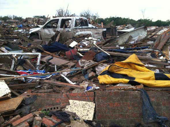 "<div class=""meta ""><span class=""caption-text "">ABC13 reporter Art Rascon shot this photo of the aftermath of Monday's tornadoes in Oklahoma. (ABC13/Art Rascon)</span></div>"