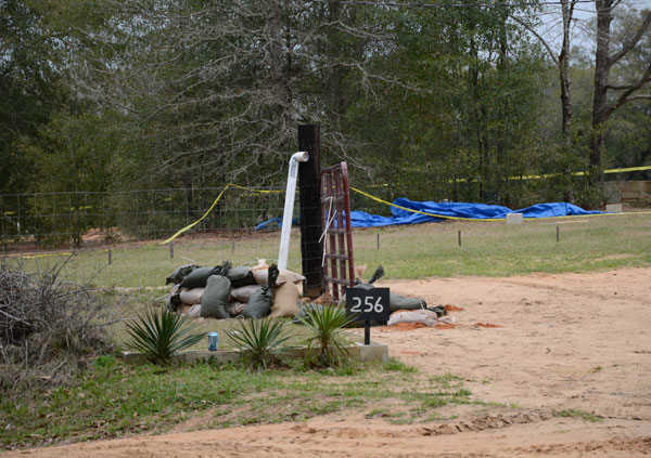 "<div class=""meta ""><span class=""caption-text "">On Tuesday, the FBI, the Dale County Sheriff?s Office, and the Alabama Department of Public Safety released four high-resolution photographs of the hostage-standoff scene in Midland, Alabama, where Jimmy Dykes held a 5-year-old boy captive for nearly a week. Law enforcement ultimately entered the bunker and the child was rescued. (Photo/FBI)</span></div>"