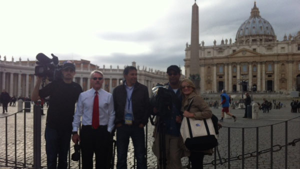 "<div class=""meta ""><span class=""caption-text "">The entire ABC13 crew in Rome working hard to bring us the very latest on the papal conclave. (Photo/Wendy Granato)</span></div>"