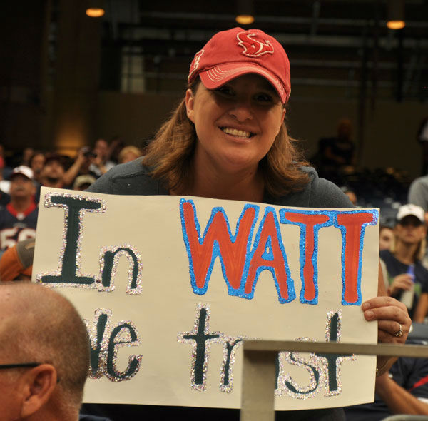 These are photos from inside and outside Reliant Stadium as the Houston Texans hosted the Seattle Seahawks Sunday, September 29, 2013 <span class=meta>(Photo&#47;ABC13)</span>