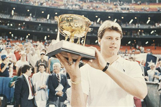 Photo shows Roger Clemens of the Boston Red Sox holds the MVP Trophy for the All-Star game over his head, 1986, Houston, Tex. &#40;AP Photo&#41; <span class=meta>(AP Photo&#47; XNC R3  RO.)</span>
