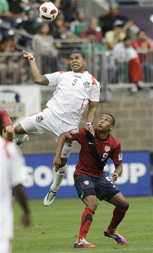 Panama&#39;s Roman Torres &#40;5&#41; and United States&#39; Juan Agudelo &#40;9&#41; go after the ball during the first half of a CONCACAF Gold Cup semifinal soccer match Wednesday, June 22, 2011, in Houston.  <span class=meta>(AP Photo&#47; David J. Phillip)</span>