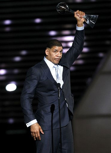"<div class=""meta ""><span class=""caption-text "">Dewey Bozella accepts the Arthur Ashe Award for Courage at the ESPY Awards on Wednesday, July 13, 2011, in Los Angeles. (AP Photo/Matt Sayles) (AP Photo/ Matt Sayles)</span></div>"