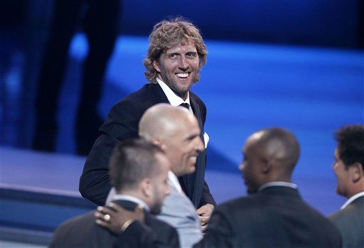 Dallas Mavericks Dirk Nowitzki and teammates accept the award for Best Team at the ESPY Awards on Wednesday, July 13, 2011, in Los Angeles. &#40;AP Photo&#47;Matt Sayles&#41; <span class=meta>(AP Photo&#47; Matt Sayles)</span>