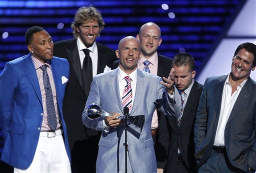 L to R, Dallas Mavericks Shawn Marion, Dirk Nowitzki,  Jason Kidd, Brian Cardinal, J.J. Barea and owner Mark Cuban accept the award for Best Team at the ESPY Awards on Wednesday, July 13, 2011, in Los Angeles. &#40;AP Photo&#47;Matt Sayles&#41; <span class=meta>(AP Photo&#47; Matt Sayles)</span>