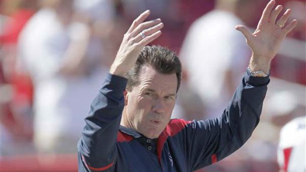 Houston Texans head coach Gary Kubiak oversees warm-up between the Tampa Bay Buccaneers and the Texans.  The Buccaneers play the Houston Texans in an NFL preseason game Sunday, November 13, 2011 in Tampa, Fla.  &#40;AP Photo&#47;Margaret Bowles&#41; <span class=meta>(AP Photo&#47; Margaret Bowles)</span>