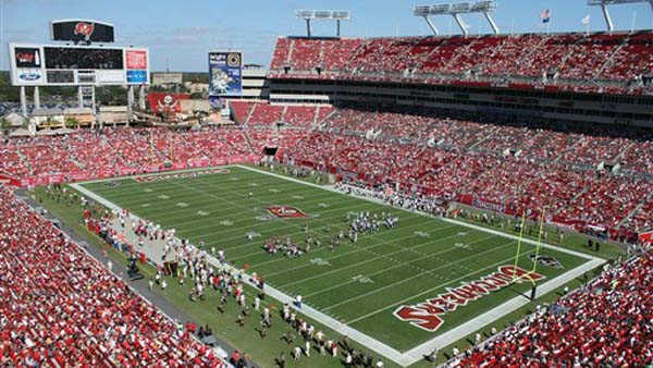 The Tampa Bay Buccaneers host the halftime during the first quarter of an NFL football game at Raymond James Stadium Sunday, Nov. 13, 2011, in Tampa, Fla. &#40;AP Photo&#47;Margaret Bowles&#41; <span class=meta>(AP Photo&#47; Margaret Bowles)</span>