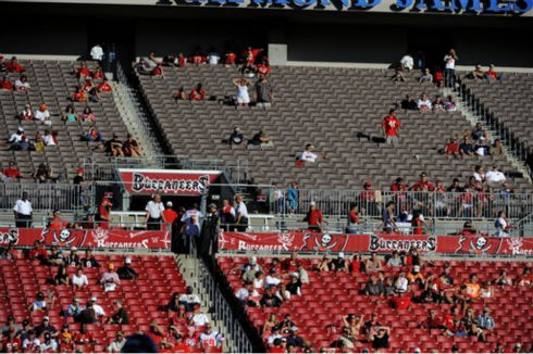 Seats emptied early at Raymond James Stadium during an NFL football game between the Tampa Bay Buccaneers and the Houston Texans Sunday, Oct. 16, 2011, in Tampa, Fla. &#40;AP Photo&#47;Brian Blanco&#41; <span class=meta>(AP Photo&#47; Brian Blanco)</span>