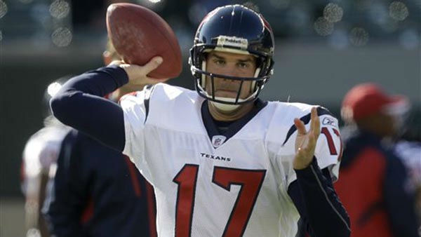 Houston Texans quarterback Jake Delhomme warms up prior to an NFL football game against the Cincinnati Bengals, Sunday, Dec. 11, 2011, in Cincinnati. &#40;AP Photo&#47;David Kohl&#41; <span class=meta>(AP Photo&#47; David Kohl)</span>