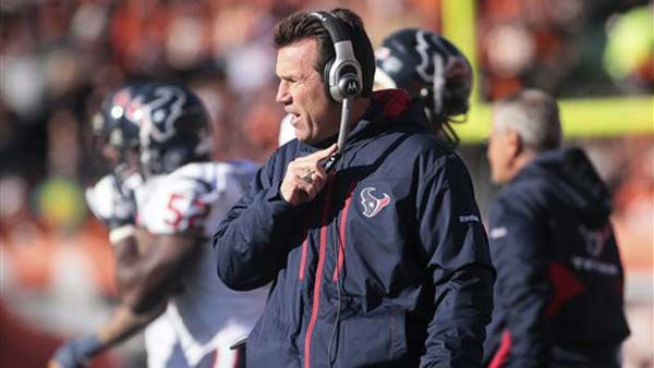 "<div class=""meta ""><span class=""caption-text "">Houston Texans head coach Gary Kubiak works on the sidelines in the first half of an NFL football game against the Cincinnati Bengals, Sunday, Dec. 11, 2011, in Cincinnati. (AP Photo/Tony Tribble) (AP Photo/ Tony Tribble)</span></div>"