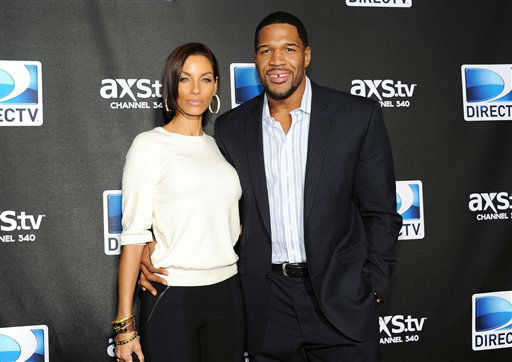 "<div class=""meta ""><span class=""caption-text "">Michael Strahan and Nicole Murphy arrive at DirecTV's Super Saturday Night party on Saturday, Feb. 2, 2013 in New Orleans.   (Photo/Evan Agostini)</span></div>"