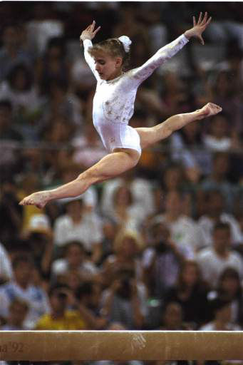 America&#39;s Shannon Miller on the balance beam in Barcelona at the Olympics August 1, 1992 when she tied for silver in the event with Lu Li of China.  It was the fourth Olympic medal for Miller, a 15-year-old of Edmond, Okla.  &#40;AP Photo&#47;Santiago Lyon&#41; <span class=meta>(AP Photo&#47; SANTIAGO LYON)</span>