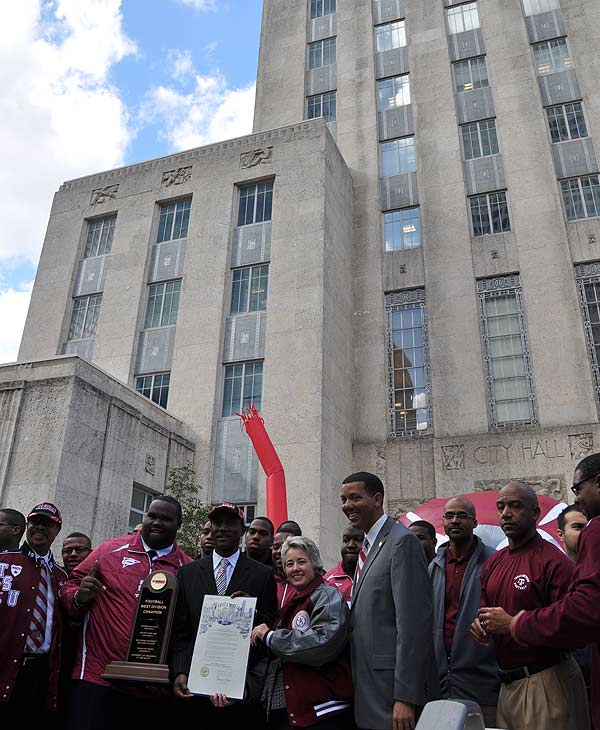 "<div class=""meta image-caption""><div class=""origin-logo origin-image ""><span></span></div><span class=""caption-text"">Images of the rally at City Hall for the newly crowned SWAC Champions, the Texas Southern University Tigers. </span></div>"