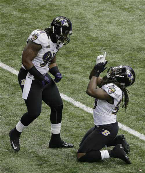 "<div class=""meta ""><span class=""caption-text "">Baltimore Ravens linebackers Courtney Upshaw (91) and Dannell Ellerbe (59) celebrate after the Ravens defense stopped a drive by the San Francisco 49ers during the second half of the NFL Super Bowl XLVII football game, Sunday, Feb. 3, 2013, in New Orleans. The Ravens won 34-31. (AP Photo/Charlie Riedel) (Photo/Charlie Riedel)</span></div>"
