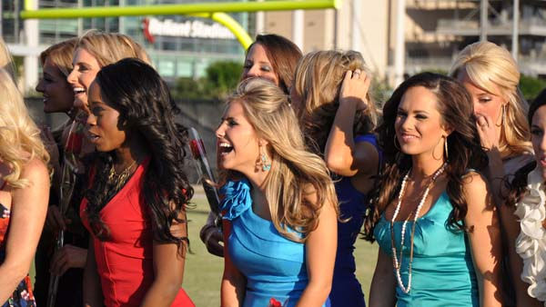 The new 2011 Houston Texans Cheerleaders gather for a group photo outside Relaint Stadium <span class=meta>(KTRK Photo)</span>