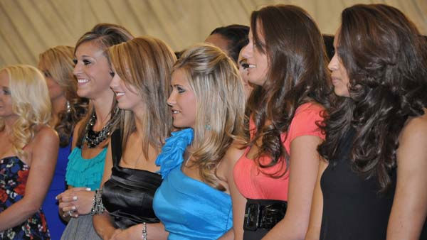 Candidates eagerly await the announcement of the 2011 Houston Texans cheerleading squad <span class=meta>(KTRK Photo)</span>