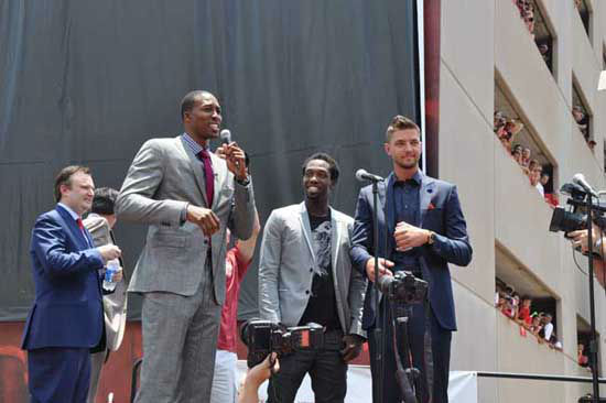"<div class=""meta image-caption""><div class=""origin-logo origin-image ""><span></span></div><span class=""caption-text"">The Houston Rockets hosted a Red Rally downtown where fans braved the heat to welcome Dwight Howard to the team and to the city (KTRK Photo/ Kristy Gillentine)</span></div>"