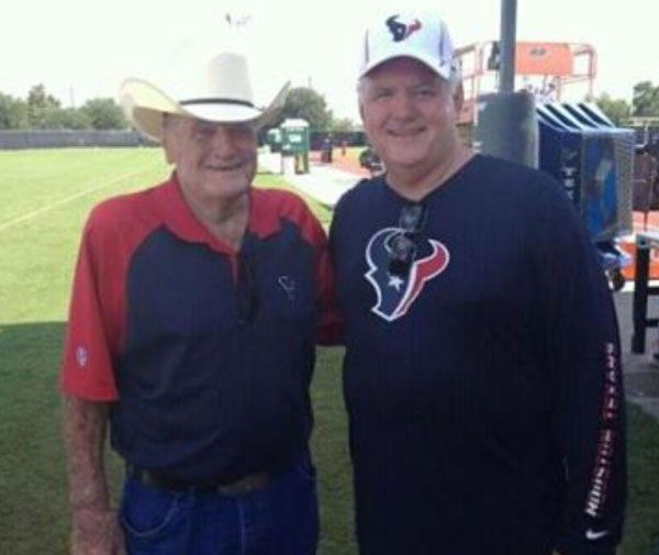 These are photos our viewers have shared with us of Bum Phillips.  If you have pics to add, email them to us at news@abc13.com <span class=meta>(Photo&#47;iWitness Reports)</span>