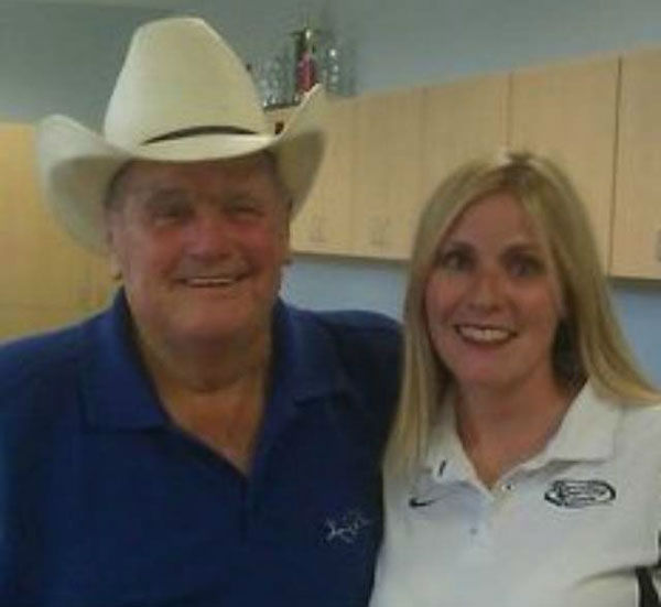 "<div class=""meta ""><span class=""caption-text "">These are photos our viewers have shared with us of Bum Phillips.  If you have pics to add, email them to us at news@abc13.com (Photo/iWitness Reports)</span></div>"