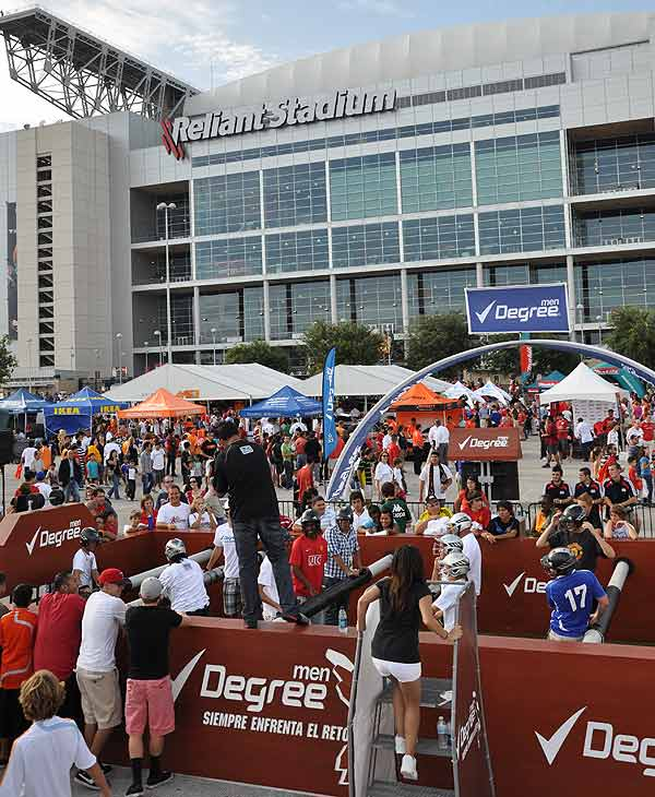 "<div class=""meta ""><span class=""caption-text "">Images of the fans and atmosphere as the MLS All Stars took the pitch against Manchester United at Reliant Stadium. (ABC13)</span></div>"