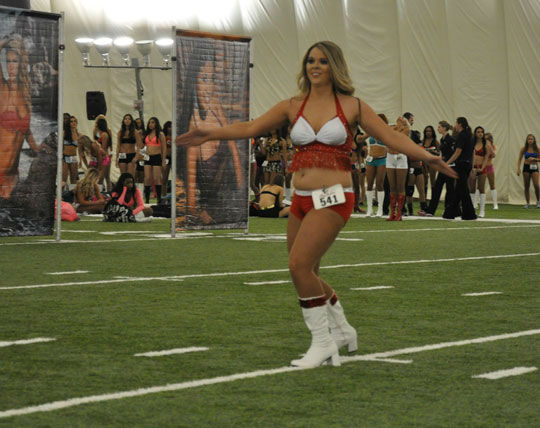 Photos from  the Houston Texans cheerleader tryouts at the Methodist Training Center on Saturday, April 5, 2014 <span class=meta>(Photo&#47;ABC-13)</span>