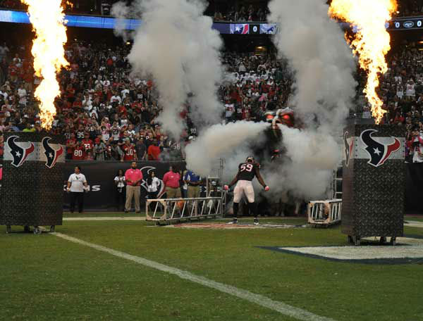 Photos from inside and outside Reliant Stadium for Sunday&#39;s matchup between the Houston Texans and St. Louis Rams <span class=meta>(Photo&#47;ABC13)</span>